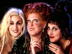 Hocus-Pocus-2-Rise-of-the-elderwitch-el-retorno-de-las-brujas-abracadabra